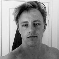 artiste et poete gay dispo sur lyon